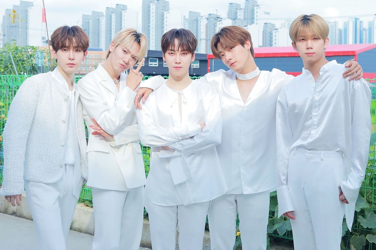 EXCLUSIVE] INTERVIEW WITH'K-POP BOYGROUP MY. st!